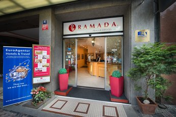 Hotel Ramada Prague City Centre**** - вход в отель