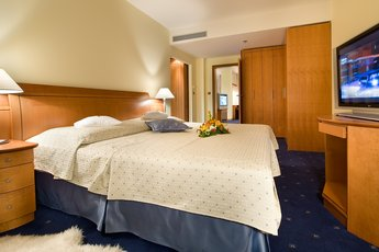 Hotel Ramada Prague City Centre**** - Executive Suite - Schlafzimmer
